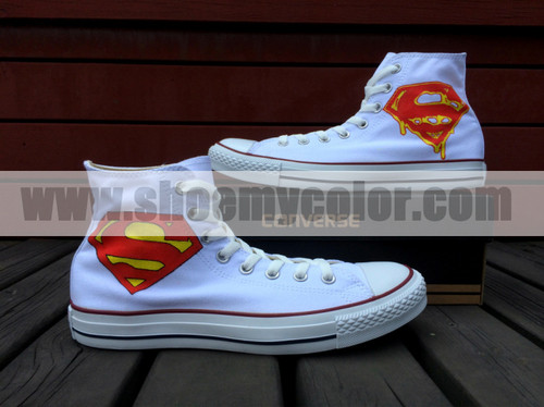 Superman kertas dinding containing a running shoe titled Superman Logo White Converse Hand Painted Canvas Shoes