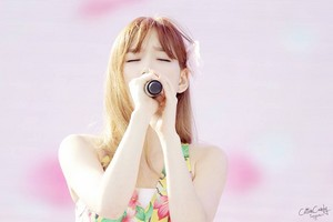 Taeyeon At Blue One Water Park