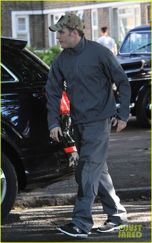Tom Hardy on set of Legend