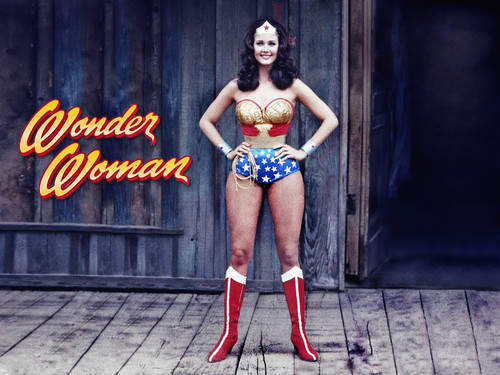 Lynda Carter karatasi la kupamba ukuta possibly with bare legs, tights, and a swimsuit called Wonder Woman