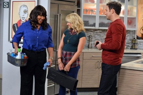 Young & Hungry fond d'écran entitled Young and Hungry - Episode 1.01 - Pilot - Promotional photos