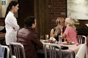 Young and Hungry - Episode 1.03 - Young & Lesbian - Promotional fotografias