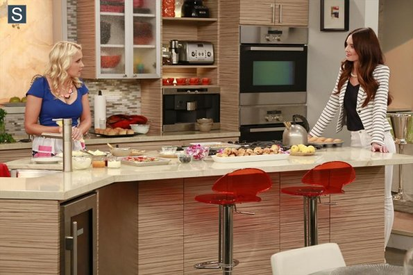 Young and Hungry - Episode 1.04 - Young & Pregnant - Promotional foto
