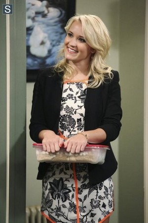 Young and Hungry - Episode 1.06 - Young & Punchy - Promotional фото