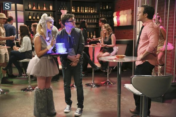 Young and Hungry - Episode 1.06 - Young & Punchy - Promotional các bức ảnh
