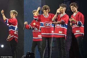 One Hockey Team :D