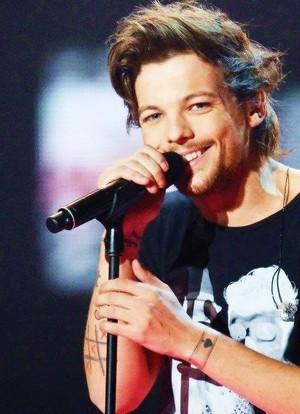 Louis laughingxxx