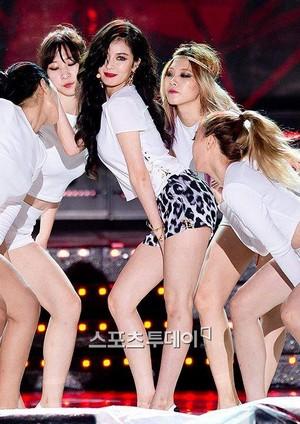 140806 Hyuna Red @ hiển thị Champion