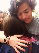 7/∞ reasons to why harry is my favorite. ↳ His hugs