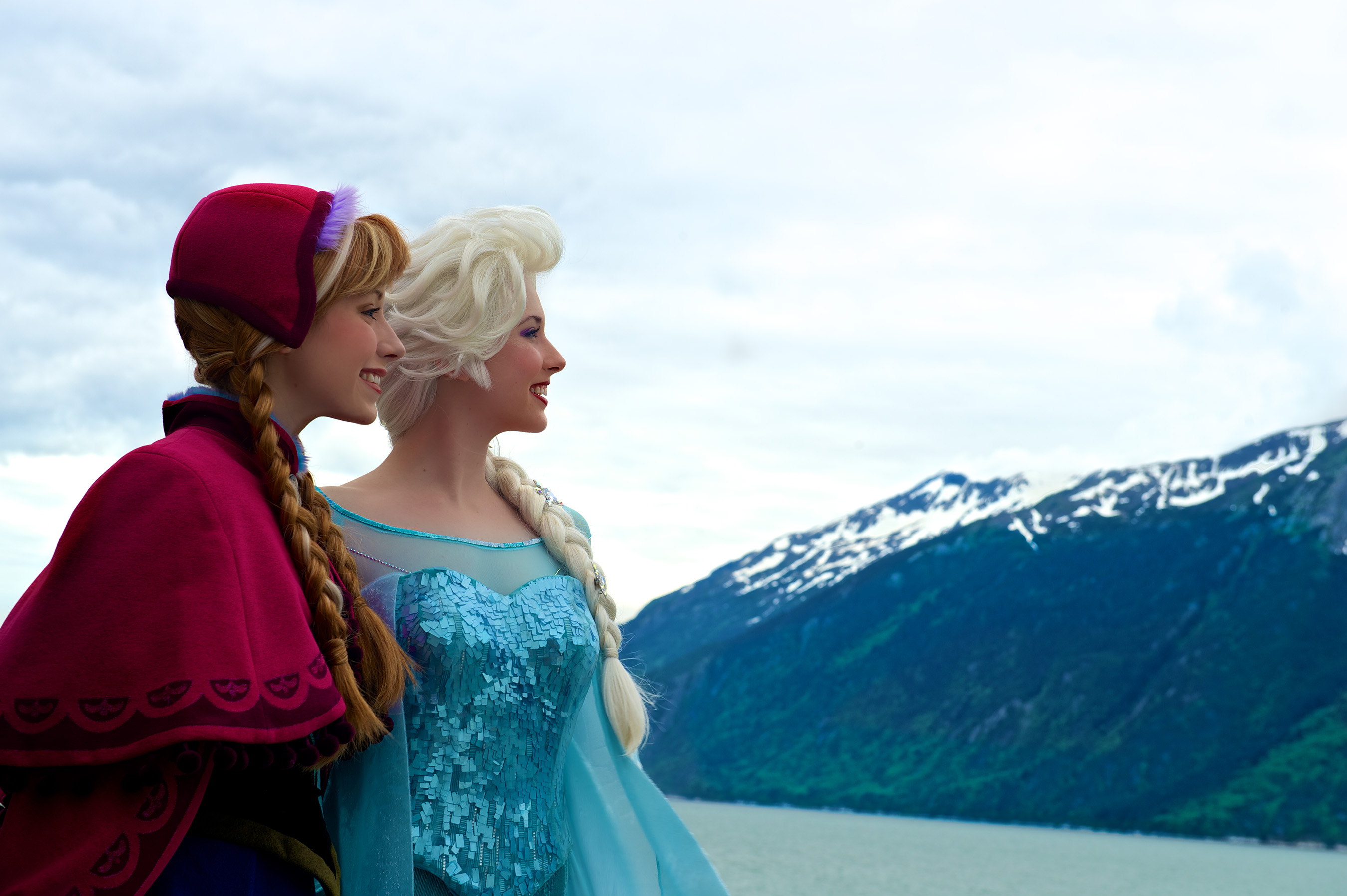 Anna And Elsa Elsa And Anna Photo 37414199 Fanpop
