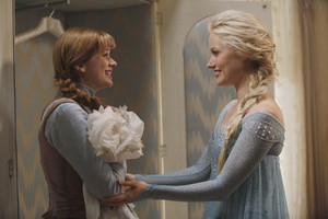 Anna and Elsa on Once Upon a Time