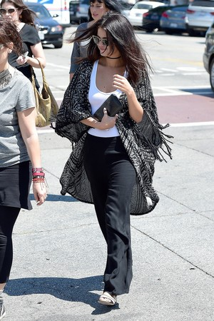 August 21: Selena out for lunch with Friends in West Hollywood, CA
