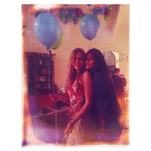 Bella Instagram Photo's x