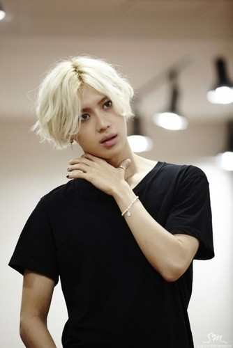Lee Taemin wallpaper possibly with a portrait entitled Blonde Hair Taemin