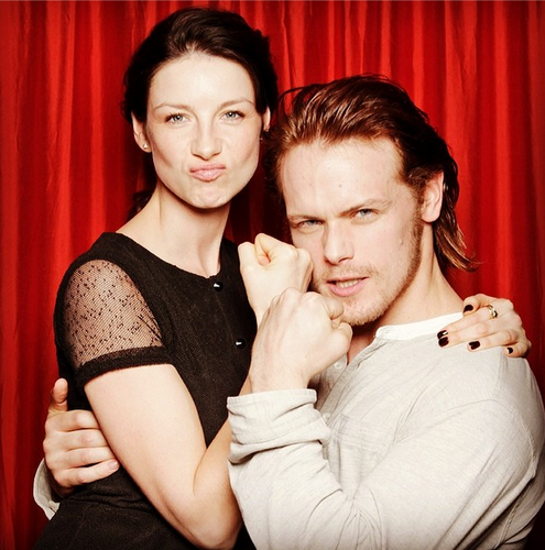 Outlander 2014 TV Series karatasi la kupamba ukuta called Caitriona Balfe and Sam Heughan