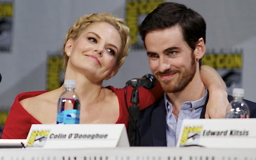 Colin O'Donoghue wallpaper called Colin O'Donoghue and Jennifer Morrison - Comic Con 2014 ❤