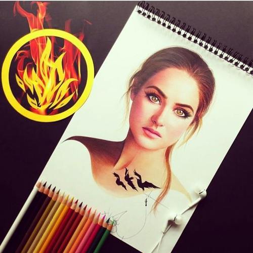 Divergent দেওয়ালপত্র with a portrait titled Dauntless Tris (Divergent)