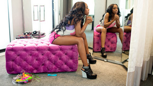 Diva araw Off: Naomi