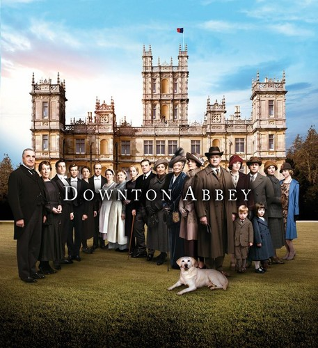 Downton Abbey kertas dinding containing a jalan called Downton Abbey Series 5