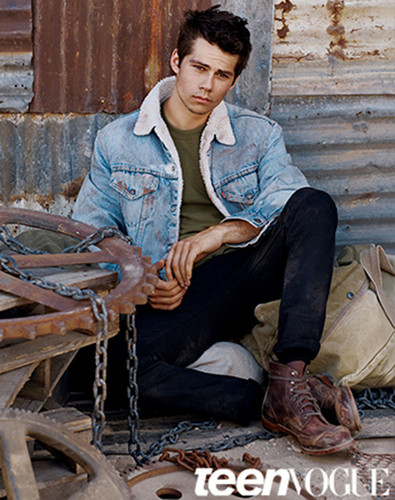Dylan O'Brien karatasi la kupamba ukuta possibly with a mitaani, mtaa titled Dylan O´Brien for Teen Vogue