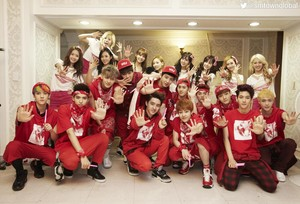 EXO AND SNSD <3 愛 IT :*