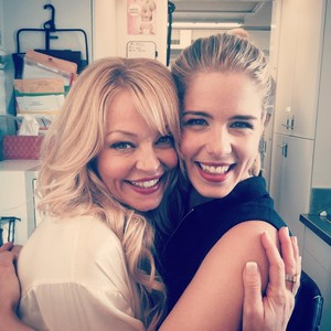 Emily and Charlotte Ross - Arrow BTS