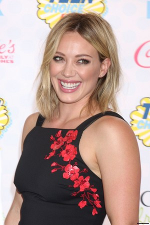 Hilary attending the 2014 Teen Choice Awards in Los Angeles
