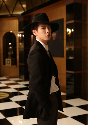 Himchan's куртка фото for 4th Japanese single 'Excuse Me'