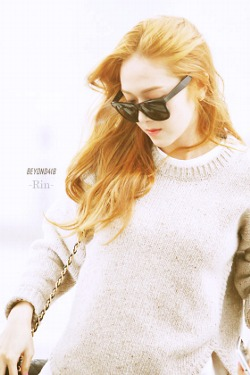 jessica snsd wallpaper probably containing a portrait entitled Jessica's Airport Fashion