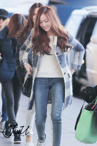 jessica snsd wallpaper with long trousers, a pantleg, and bellbottom trousers called Jessica's Airport Fashion