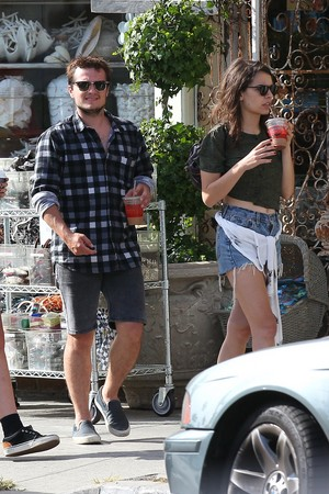 Josh Hutcherson and Claudia Traisac on Abbot Kinney in Venice beach, pwani