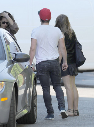 Josh has lunch with his girlfriend in Los Angeles - August 7th, 2014