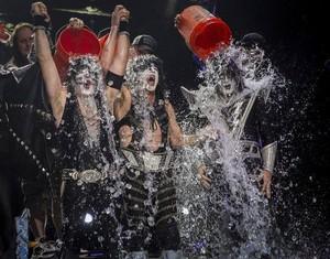 Ciuman ~ALS ice bucket challenge August 22, 2014