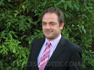 Mark Sheppard looking sharp