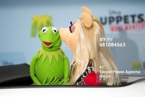 Miss Piggy and Kermit