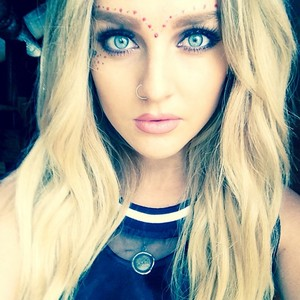 New beautiful Perrie selfie ♥