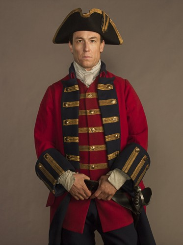 outlander série de televisão 2014 wallpaper possibly containing a surcoat, sobretudo called Outlander - Cast fotografia