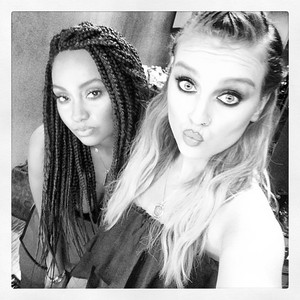 Perrie's new Instagram picture with Leigh ♥