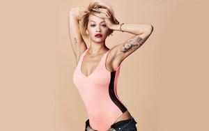 Rita Ora strikes again