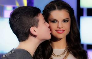 Selena wax Madame Tussauds