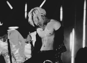 Shirtless Taemin <3