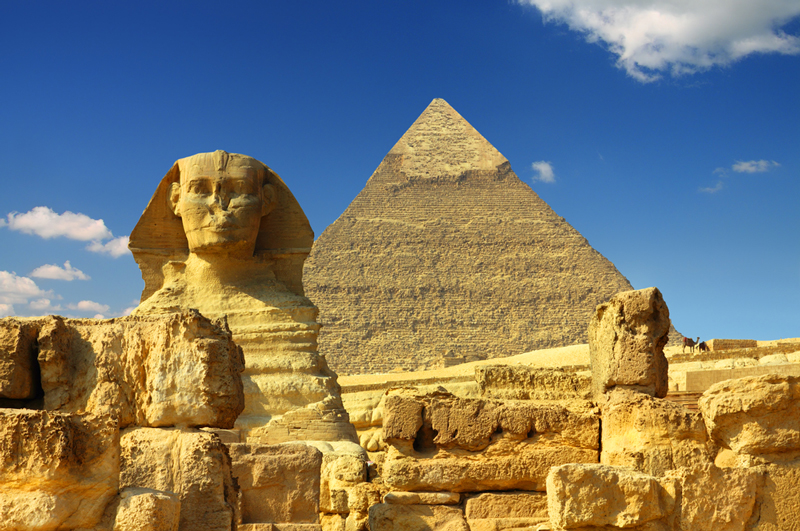 the historical significance of pyramids and tombs in ancient egypt