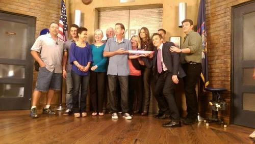 Nathan Fillion & Stana Katic fond d'écran with a drawing room titled Stanathan and Castle's cast-BTS season 7
