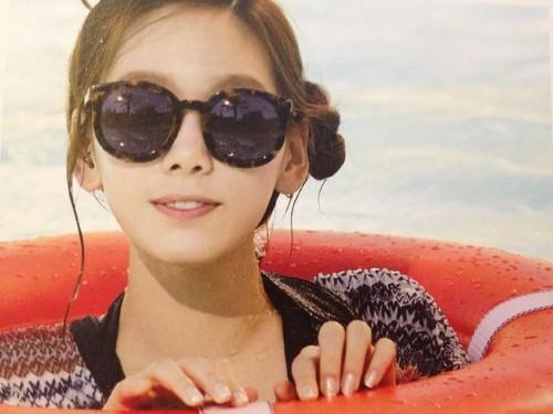 তাইয়েওন (এসএনএসডি) দেওয়ালপত্র probably with sunglasses called Taeyeon in Las Vegas Photobook