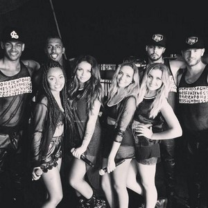 The girls with their dancers, 15/08/2014