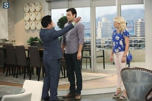 Young and Hungry - Episode 1.08 - Young & Car-Less Promotional photos