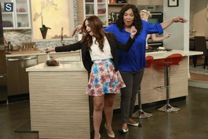 Young and Hungry - Episode 1.09 - Young & Getting Played - Promotional foto's