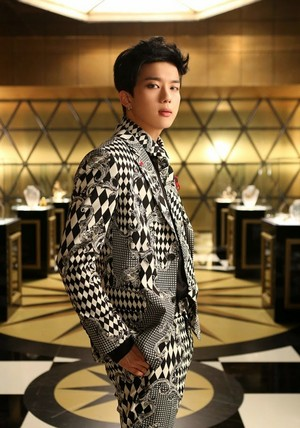 Youngjae's جیکٹ تصویر for 4th Japanese single 'Excuse Me'