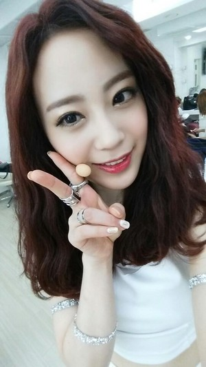 Youngji for SBS 音乐电视