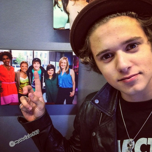 the gallery for gt the vamps bradley simpson girlfriend
